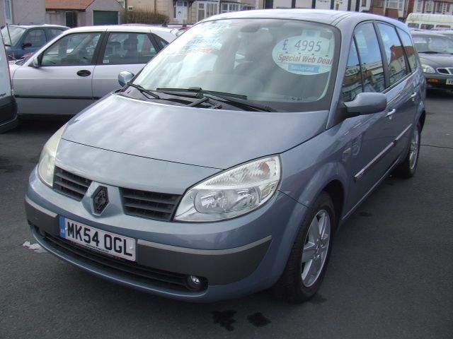 Renault Grand Scenic 1.9 dCi Diesel Dynamique 7 - Image 1