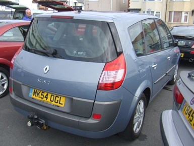Renault Grand Scenic 1.9 dCi Diesel Dynamique 7 - Image 2