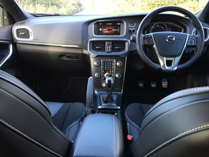 New Volvo V40 review