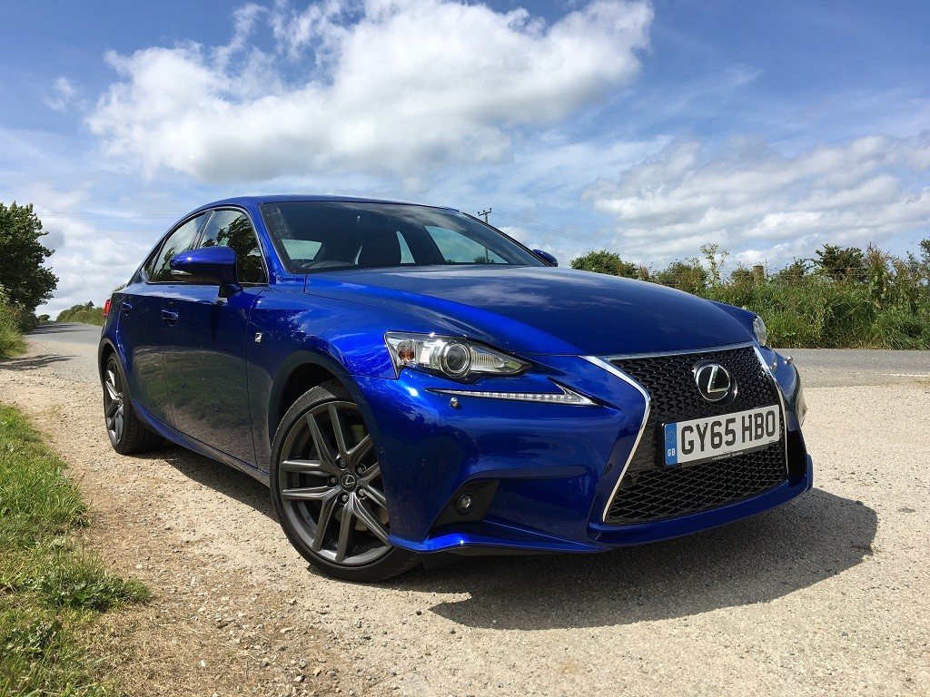 New Lexus IS200t review